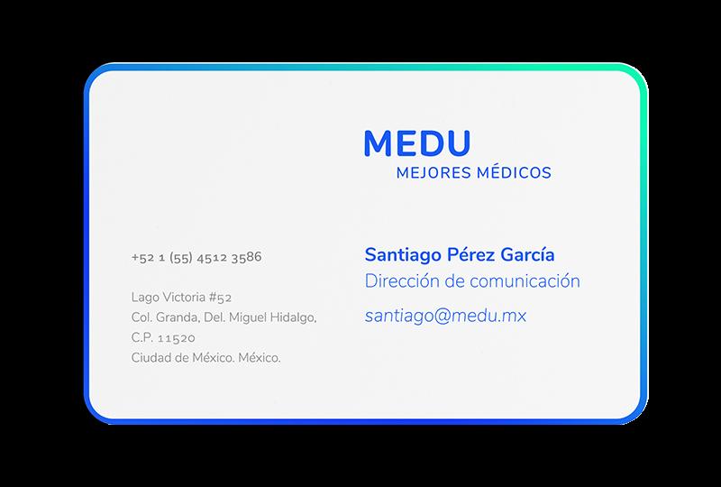 Reverso de la tarjeta de Medu, la nueva plataforma de estudios en medicina, diseñada para aplicantes al ENARM.