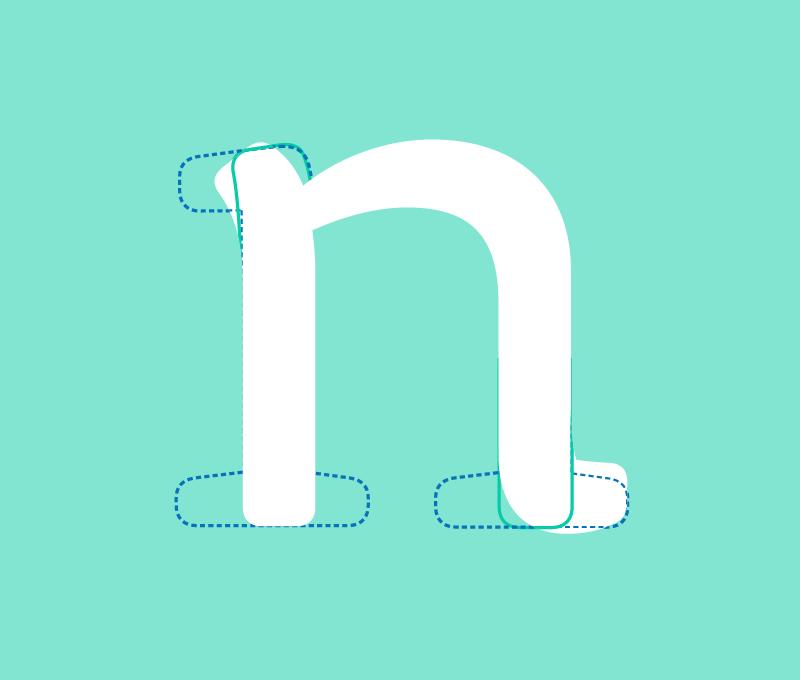 Signo n minúsculo de Rotoplas con superposiciones de la n en supuestas versiones sans y serif.