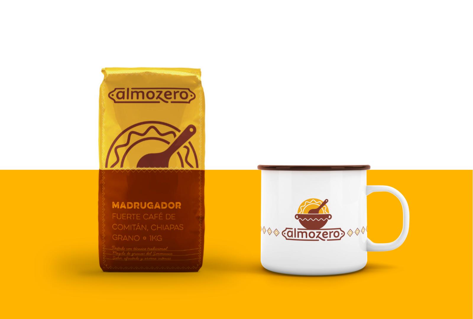 Sobre de café y taza de peltre con logo de almozero