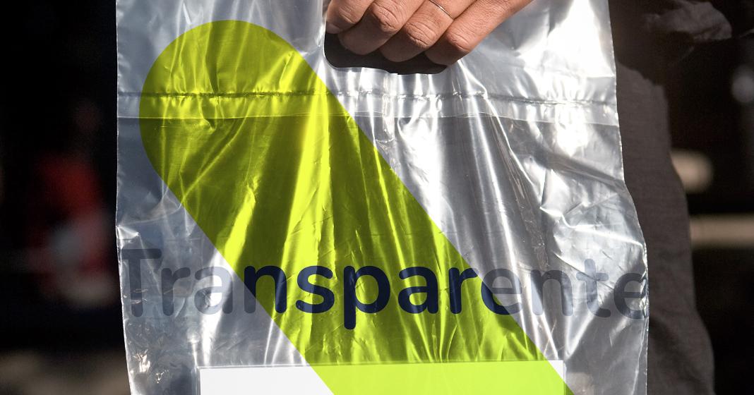 Lenguaje de la marca Bigleaper en una bolsa plástica